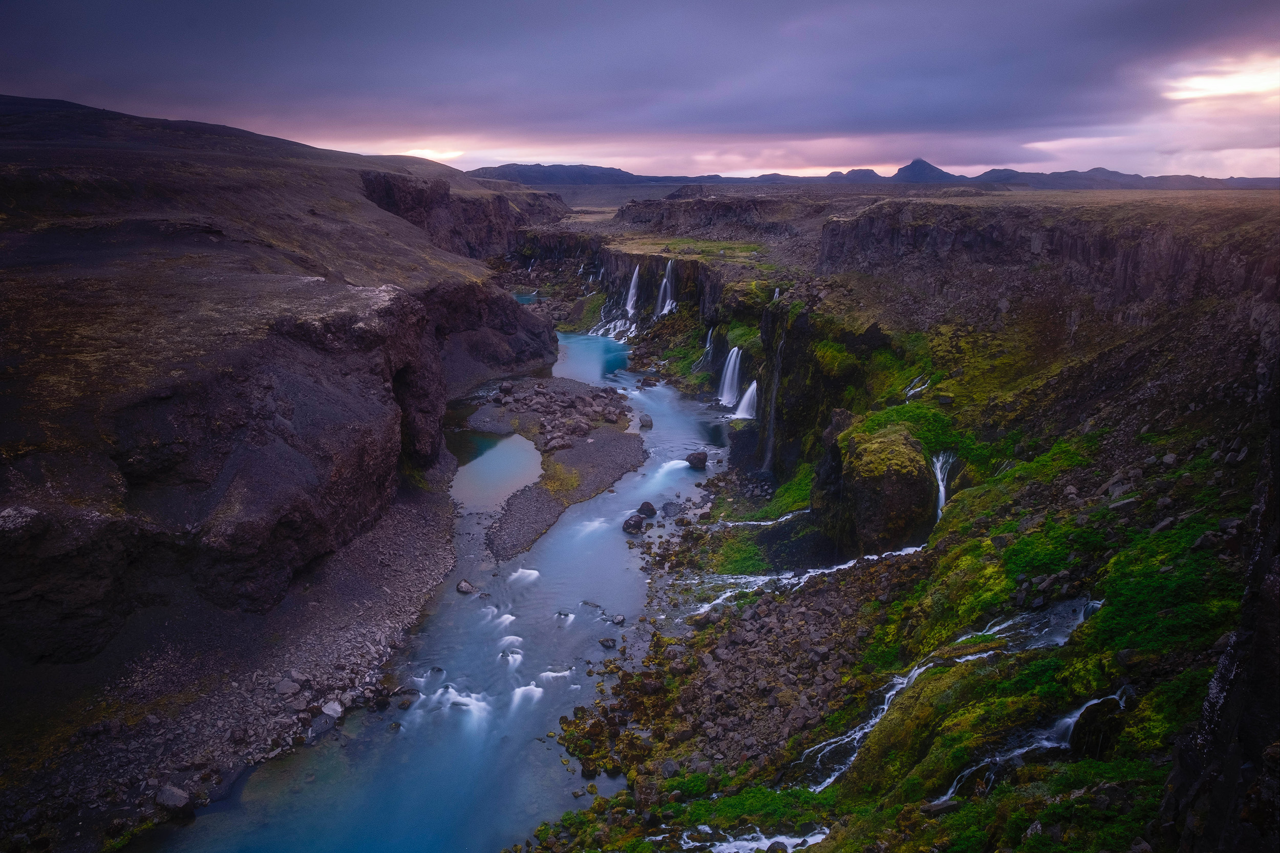 The waterfalls at Sigöldugljufur at sunrise