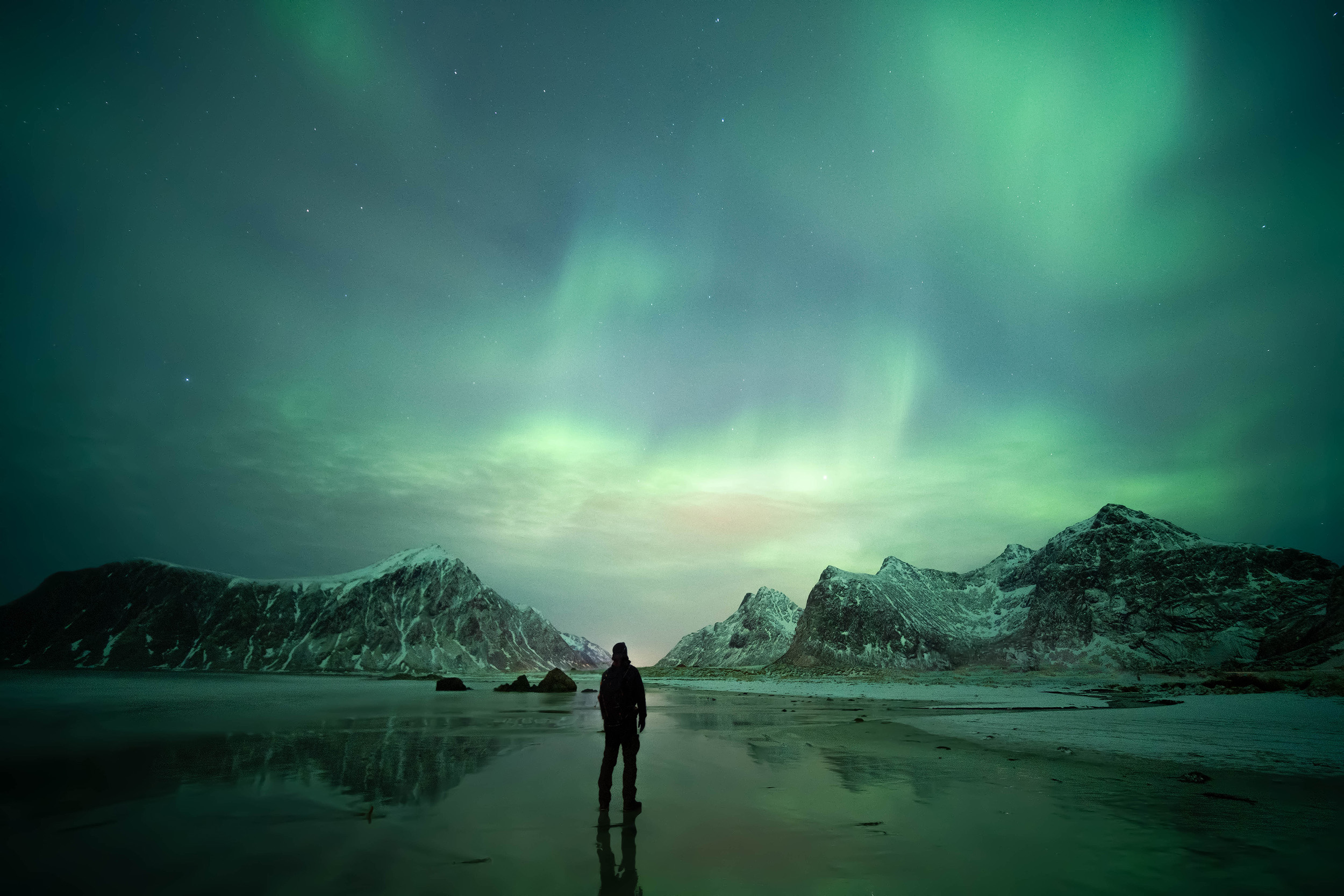 Skagsanden Aurora   The northern lights dances above the beach at Skagsanden in Lofoten