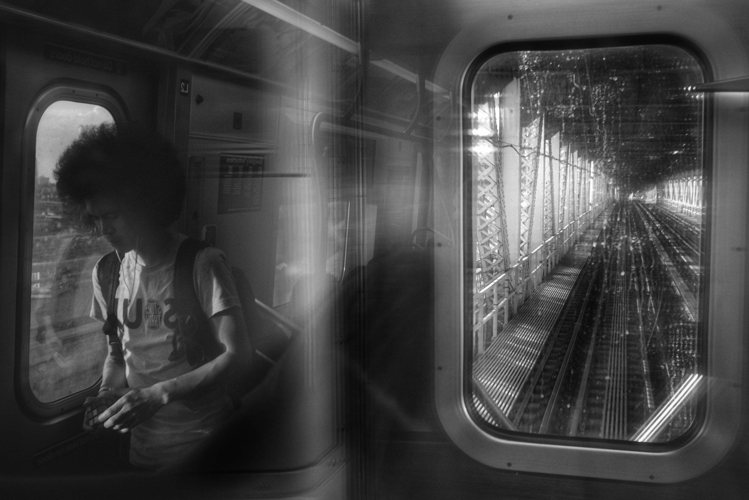 Q Train. Manhattan Bridge. New York City. 2017.