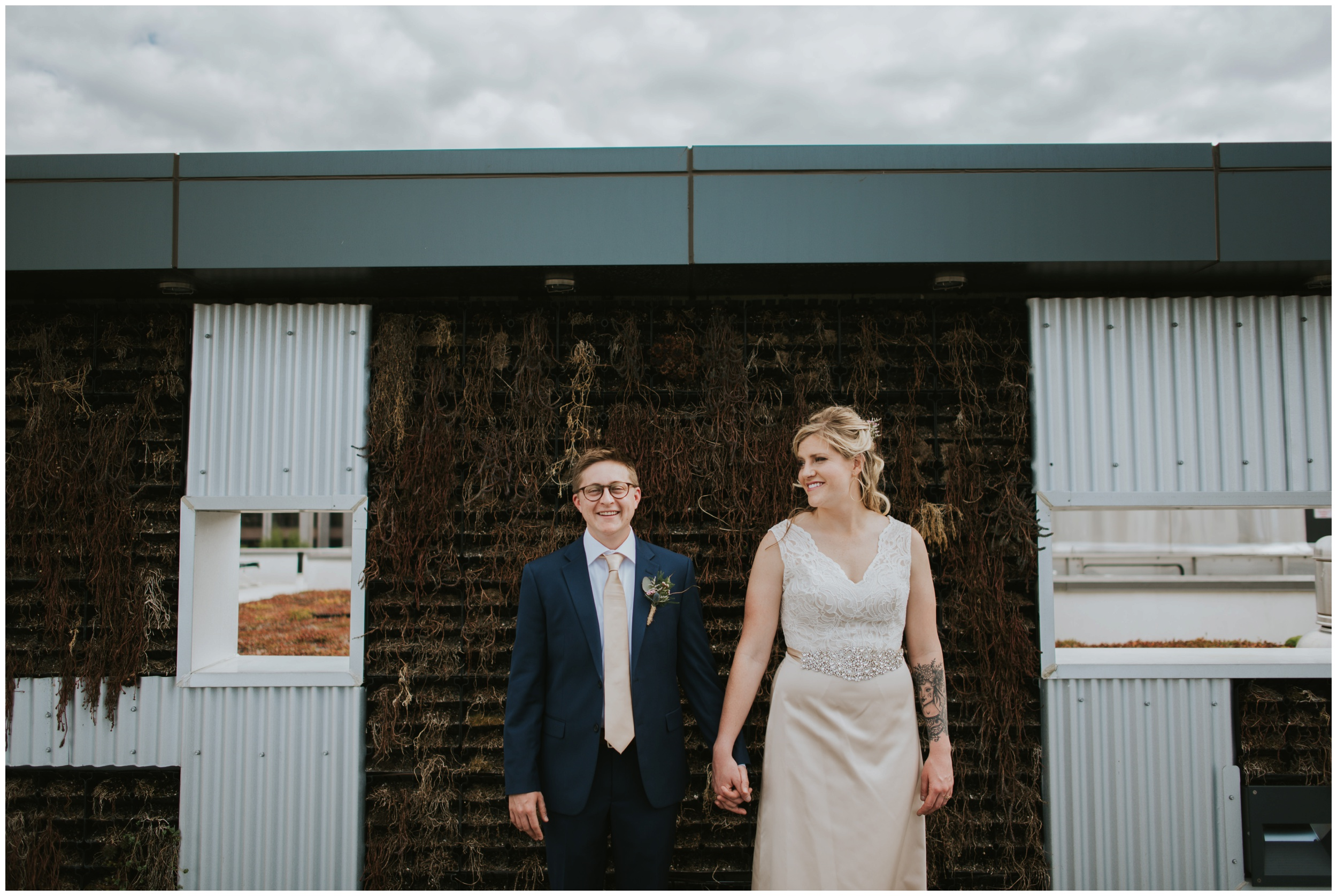 Downtown Roanoke Wedding. Center in the square Wedding  | www.riversandroadsphotography.com