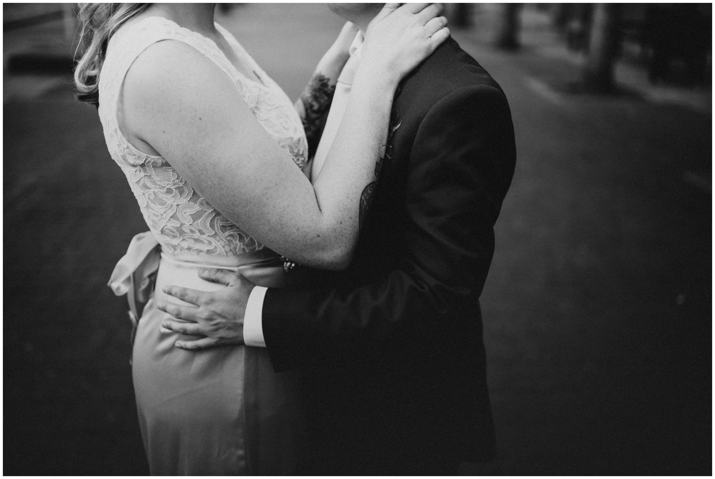 Downtown Roanoke Wedding Portraits | www.riversandroadsphotography.com