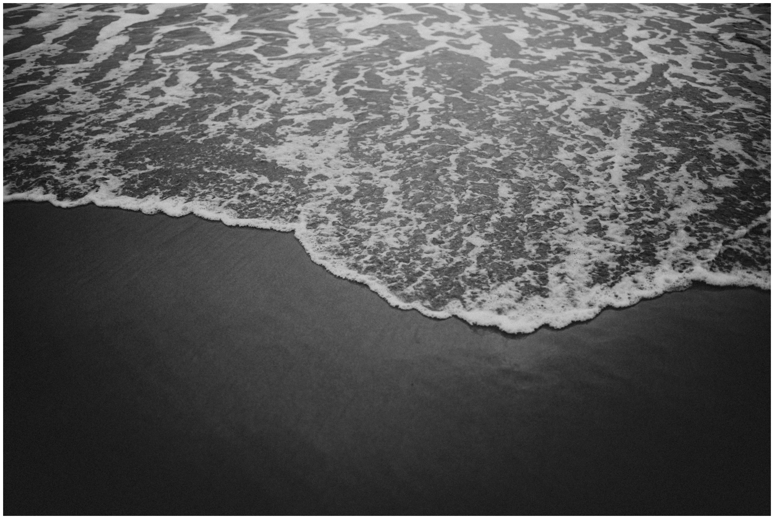 Black and white image of the ocean at Cape Kiwanda | Oregon Photographer www.riversandroadsphotography.com