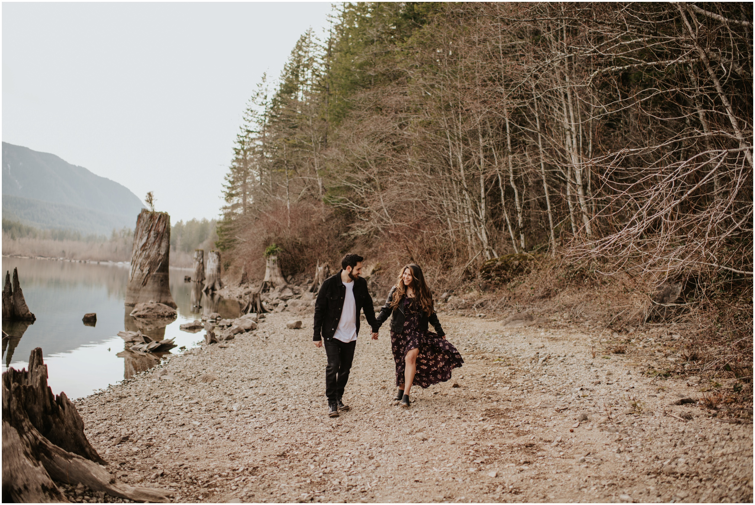 Styled couple session at Rattlesnake Lake, WA | Seattle Wedding Photographer www.riversandroadsphotography.com