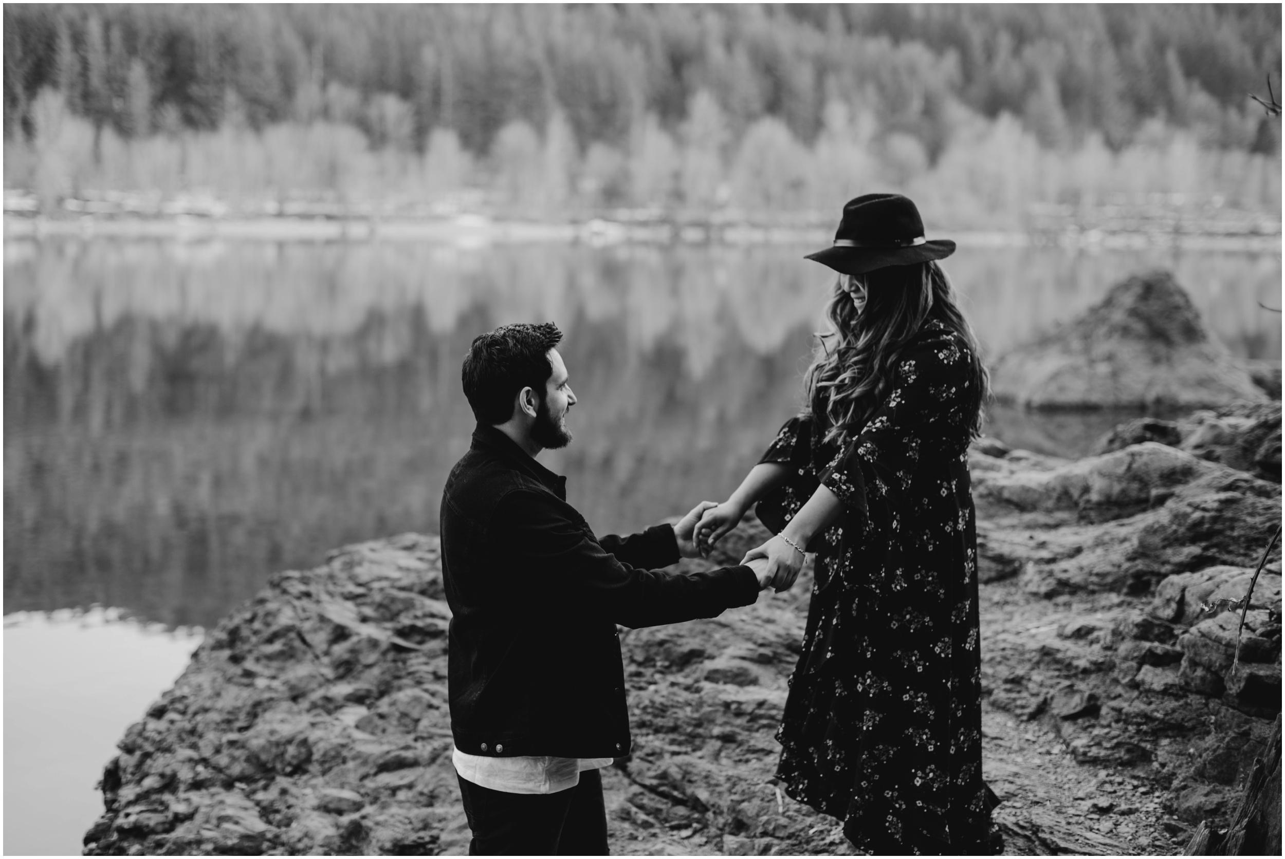 couples photoshoot Rattlesnake Lake, WA   Seattle Wedding Photographer www.riversandroadsphotography.com
