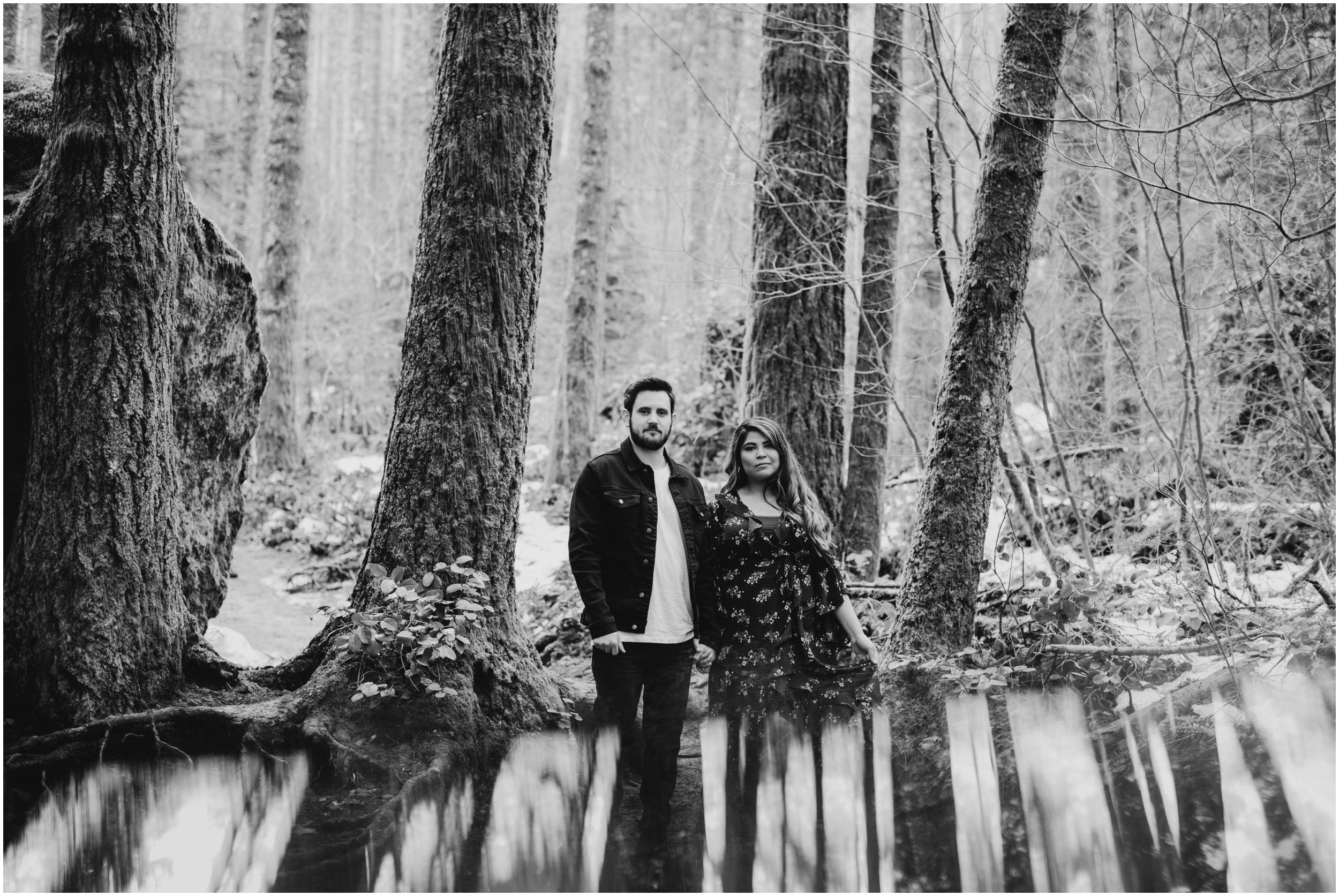 couples photoshoot at Rattlesnake Lake, WA   Seattle Wedding Photographer www.riversandroadsphotography.com