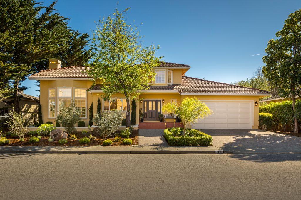 24 Weatherly Dr. Mill VAlley.jpg