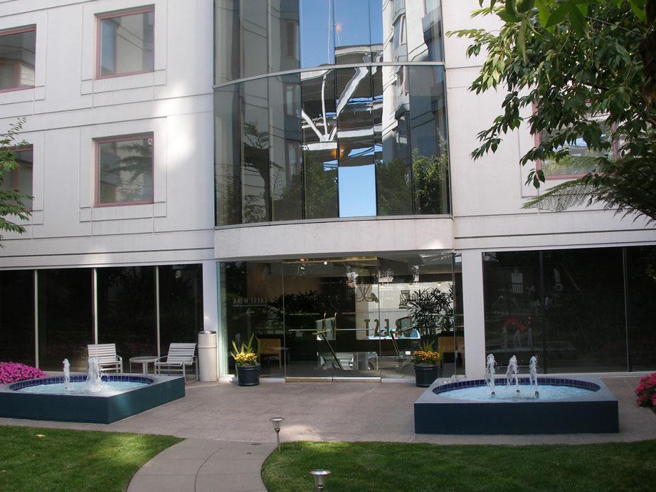 113-01-courtyard.jpg