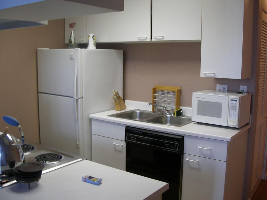 113-06-kitchen.jpg