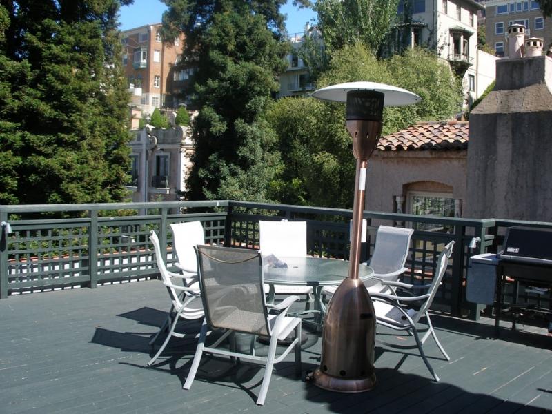 164-10-patio-on-top-floor.jpg