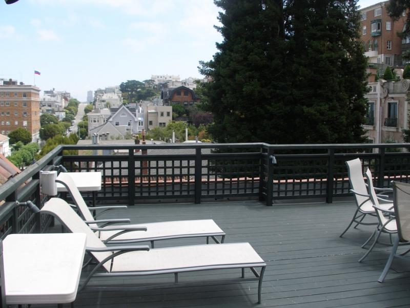 164-11-patio-on-top-floor.jpg