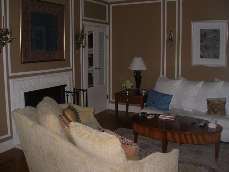 179-01-living-room.jpg