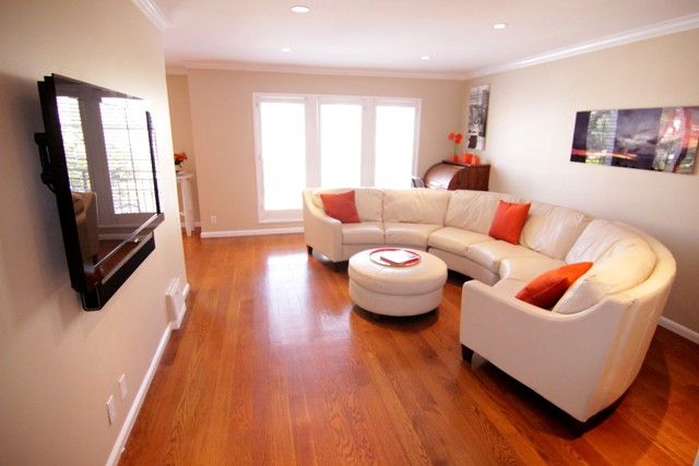 PROPERTY 215   Bright stunning and comfortable home