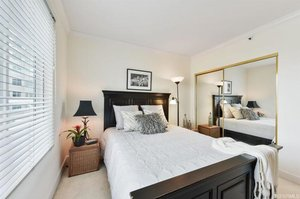 PROPERTY 229   Spacious 1 Bedroom 1 Bath in Telegraph Hill