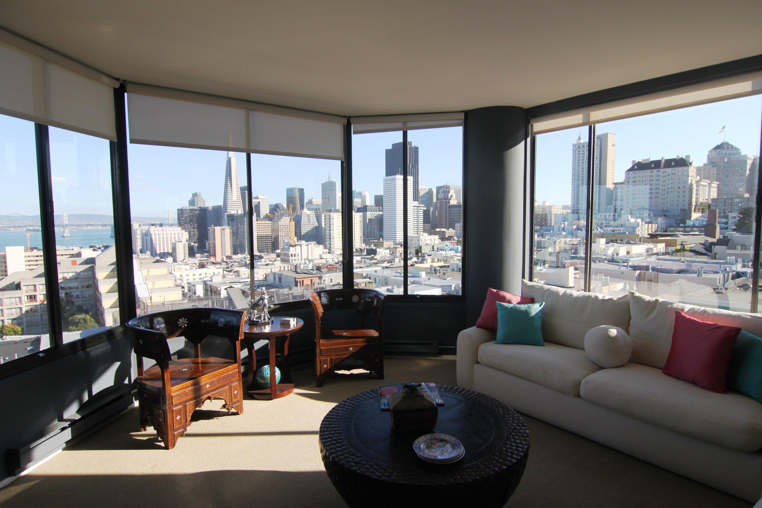 PROPERTY 205   Located centrally with panoramic views in Russian Hill