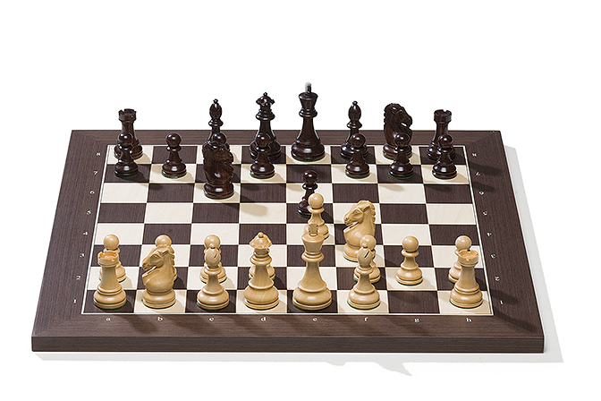 Wengé board with Royal pieces