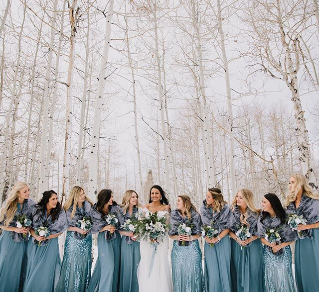 This week we're celebrating the last snow storm of the season (hopefully🤞🏻) and getting these amazing pictures! How beautiful is this bride @misssjannah and her bridesmaids?! Photo by @kelsandrusphoto