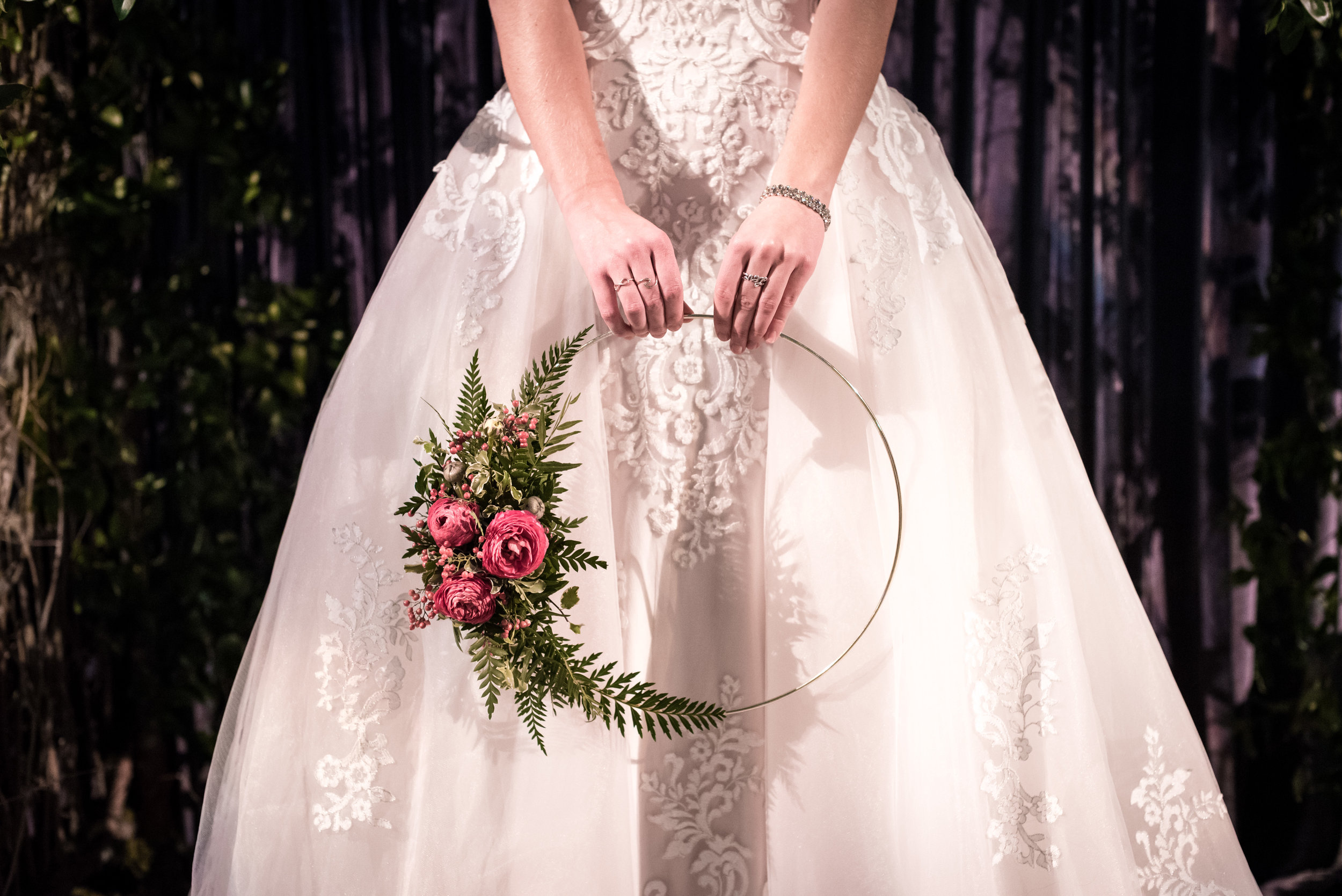 Unique bouquets and floral arrangements created on site by the most desired floral designers.