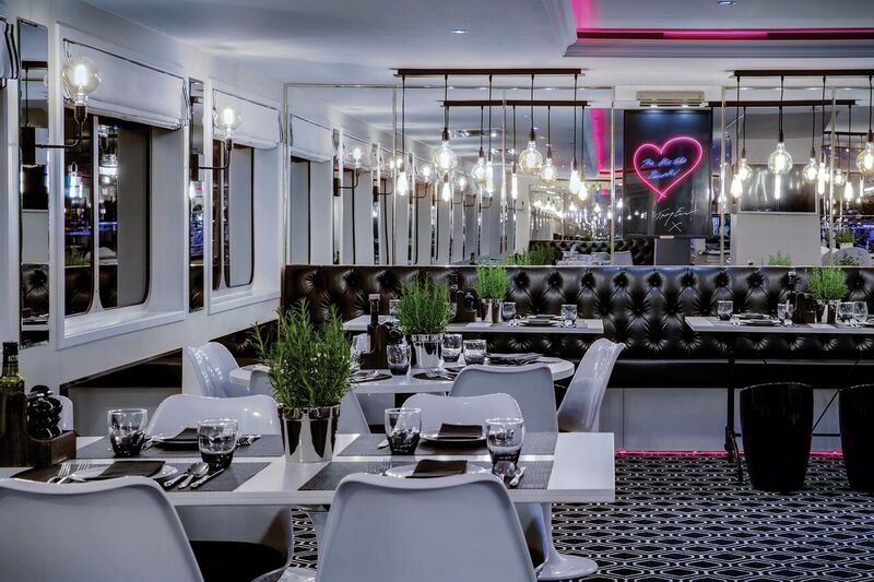 xUbyUniworld_TheB_Restaurant_0043_v1_preview.jpeg