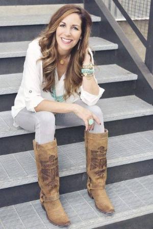 Melanie Shankle.jpg