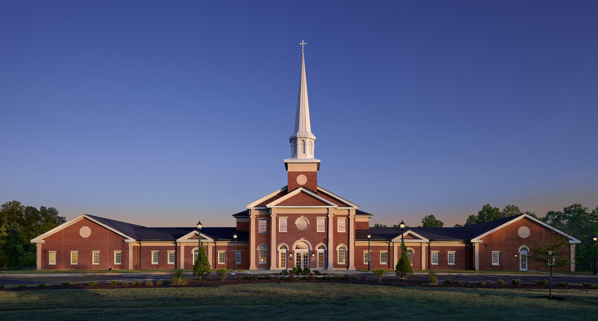 01_Hord Architects_Crossroads Baptist_Exterior - 9 in wide 300 dpi.jpg