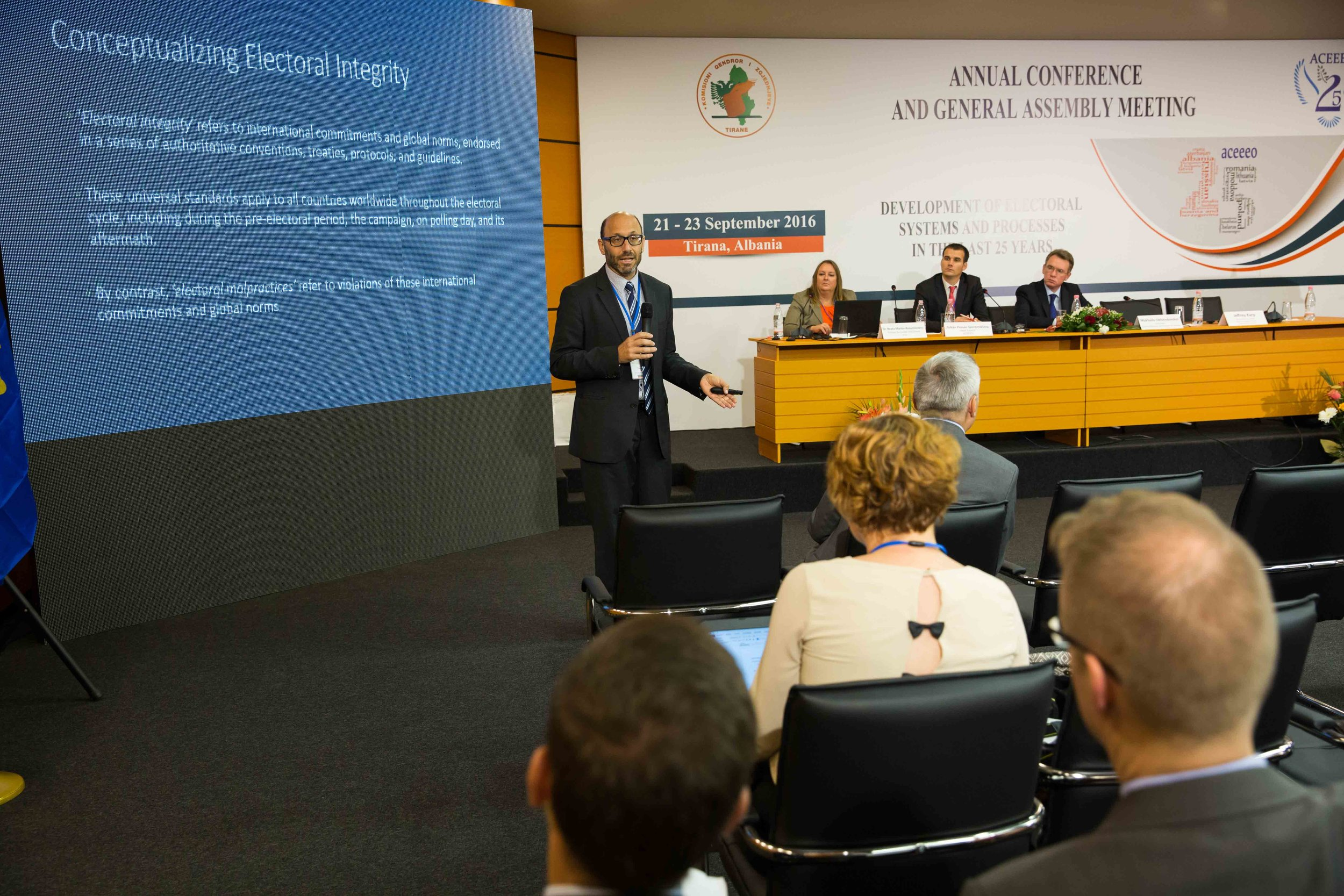 Professor Jeff Karp presenting EIP at ACEEEO, Albania