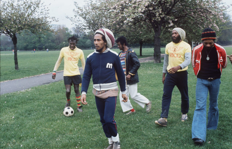 4 - Bob_soccer_squad-800x515.jpg