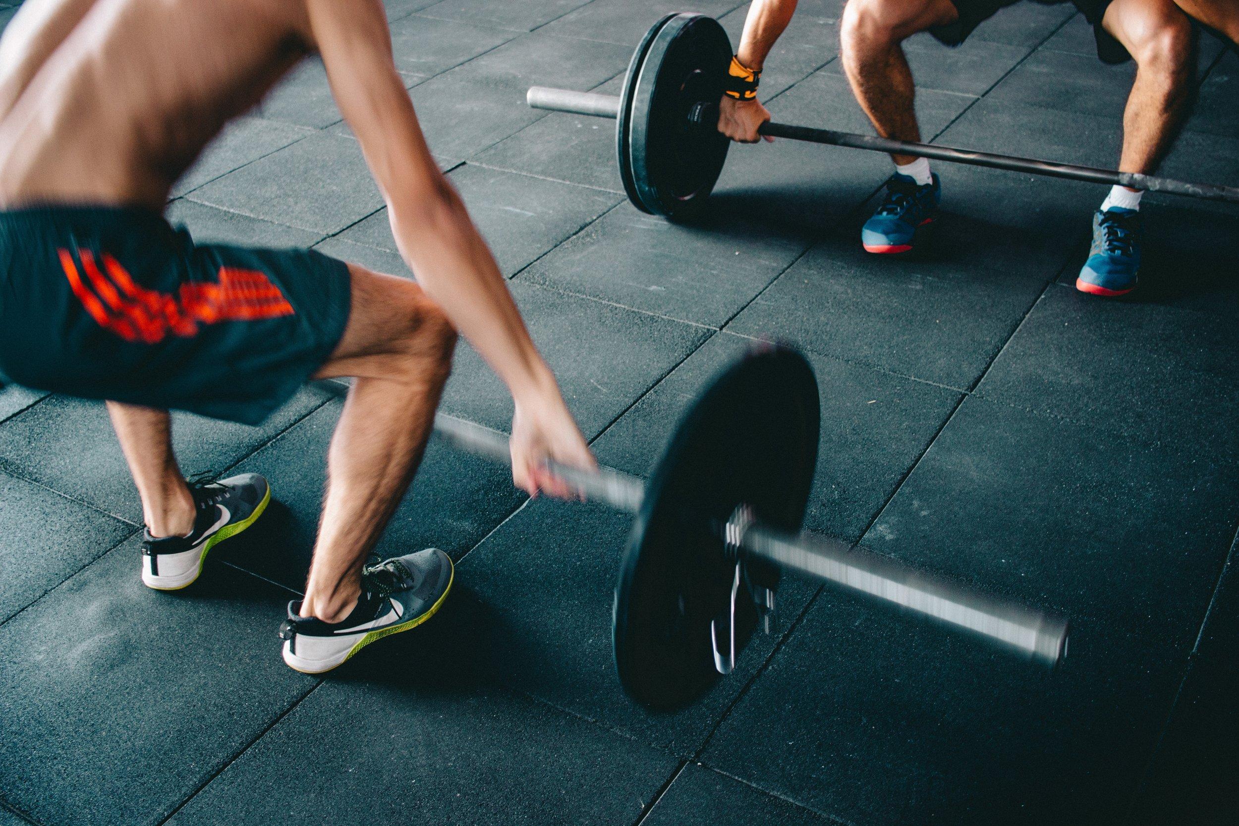 men weightlifting