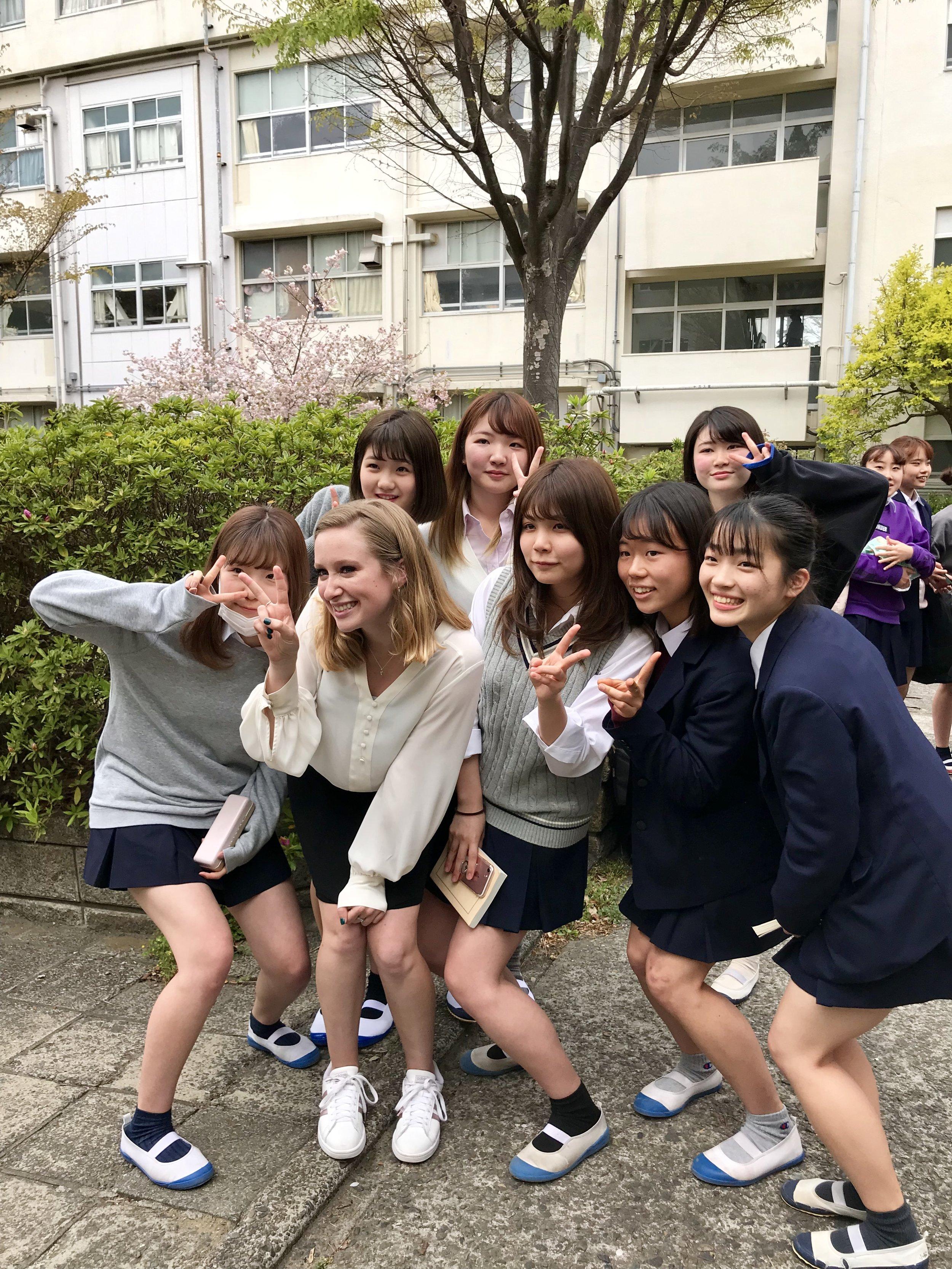 Madeline with Kanazawa students