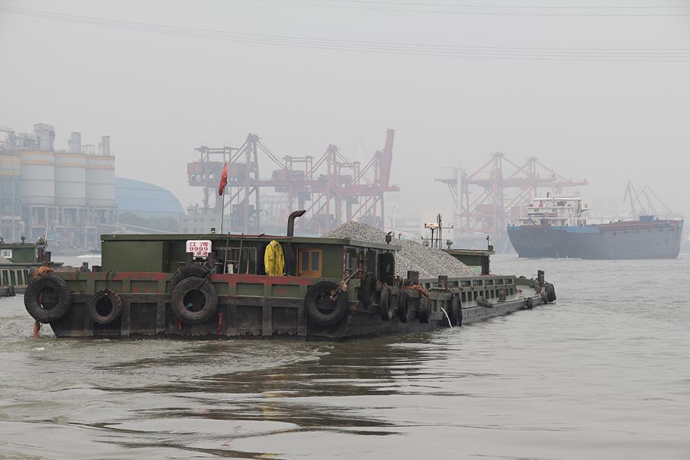Shanghai, Barge on Huangpu