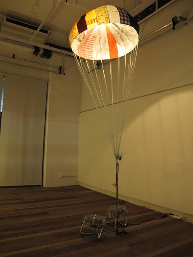 Jaffa Lam, Parachute , 2010 Work for 8 March: Landing in different art venues during March. From the series Micro Economy