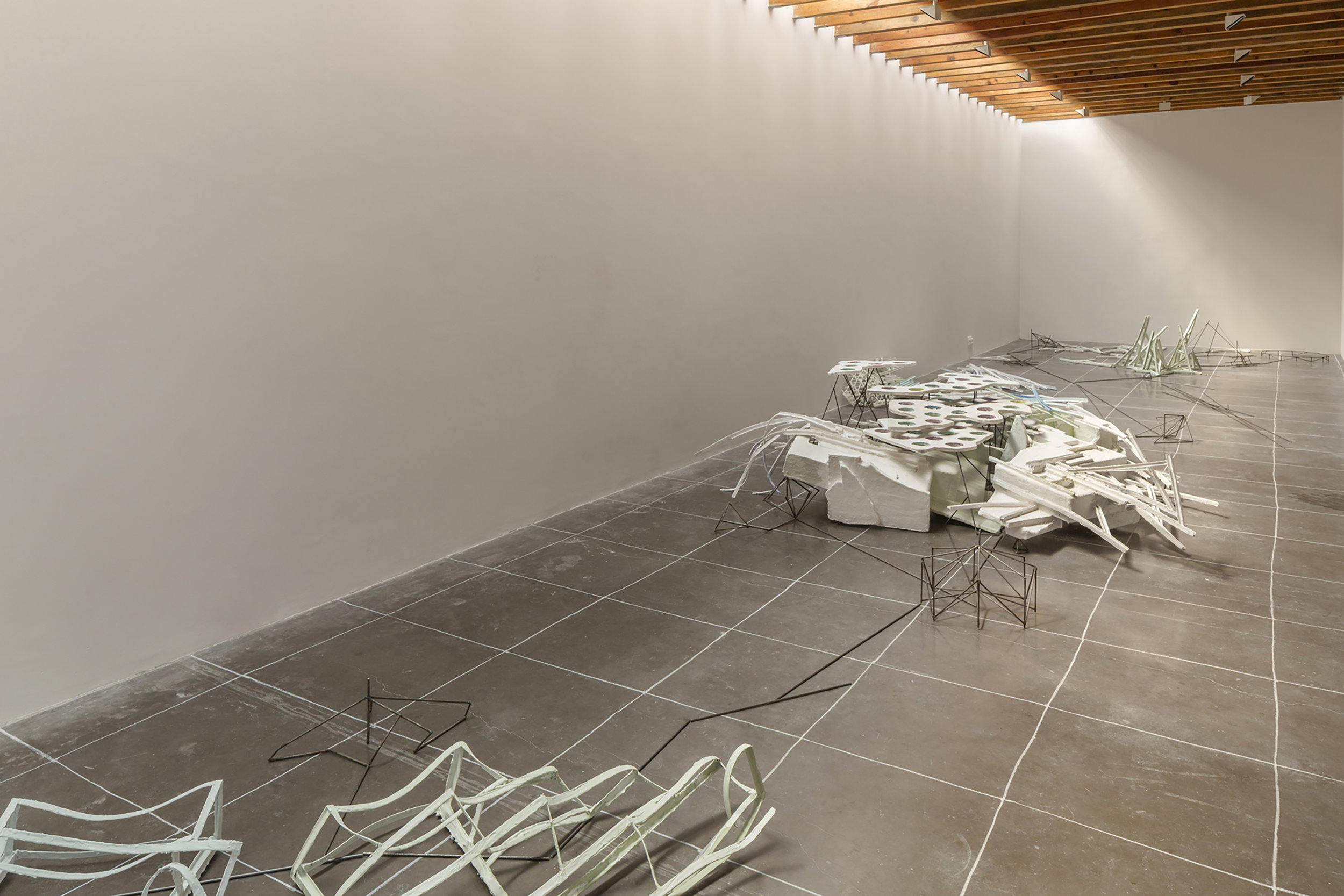 Isabel Nuño de Buen, scala, polis, taut, axis mundi (Constellation 1.2),  2015, Exhibition view, kurimanzutto, Mexico City, Chalk drawing on the floor, steel, styrofoam, papier maché, cardboard, plaster, watercolor, spraypaint, Aprox. 3x15m, Image Credit: Courtesy of the artist and kurimanzutto. Photo by Diego Pérez.