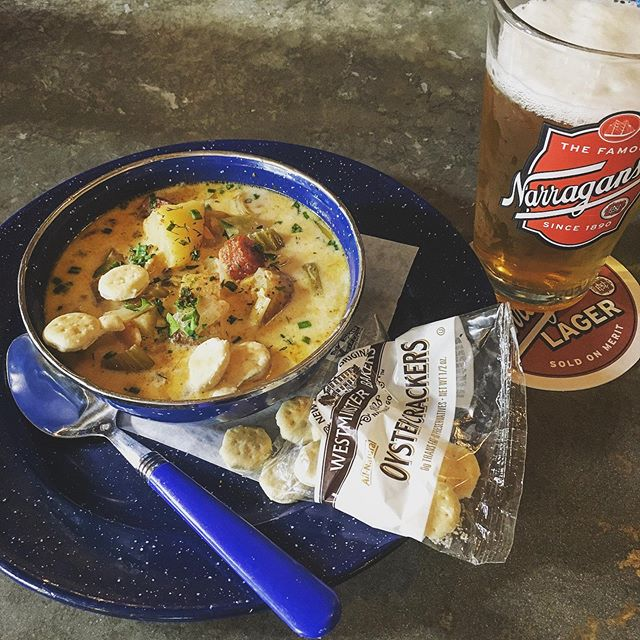 Just because we serve New England Clam Chowder and beer from New England and Lobster Rolls doesn't mean we don't support our Steelers.  Come eat New England before we beat New England.  #steelers #patriots #clamchowder #chowdaheadz #lobsterroll #oysters #pittsburgh #newengland #herewego #gosteelers