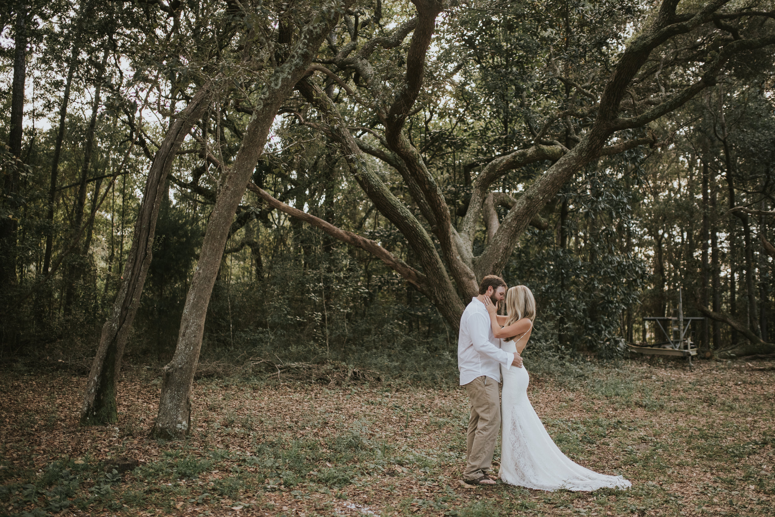 Click to view the whole bayou wedding!