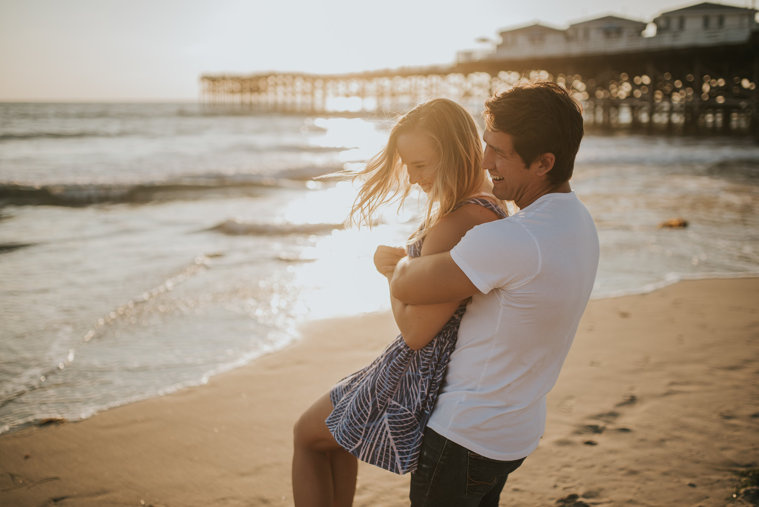 Click to view the whole beach engagement!