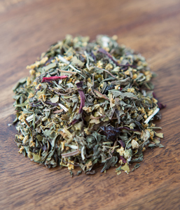 Warm UPDelicious & warming blend which can assist with symptoms of cold & flu. All organic Ingredients: Peppermint, Elderflower, Rosehips, Lemon Myrtle, Hibiscus flowers and Yarrow. -
