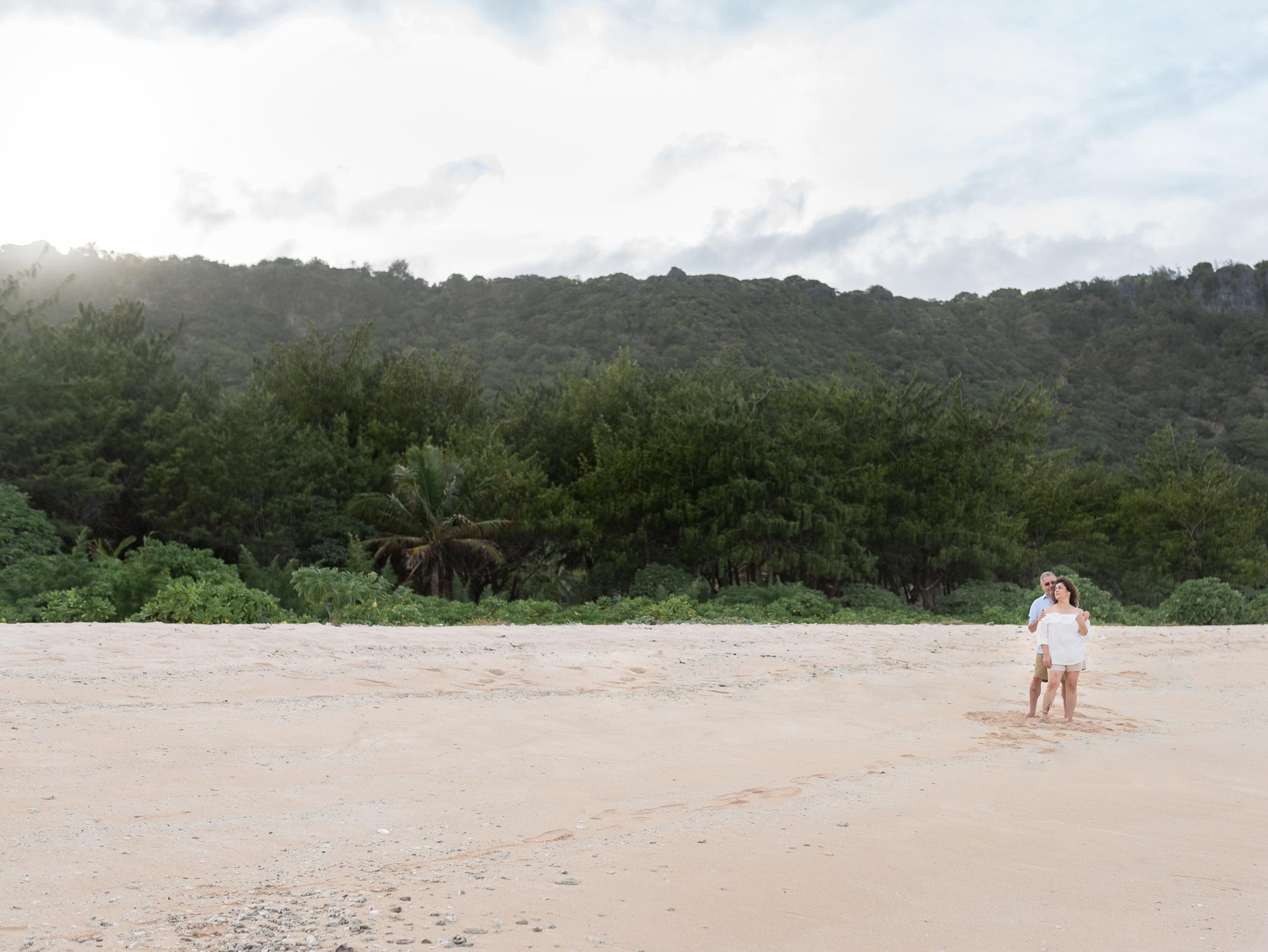 CouplesSessionTaragueGuamPhotographer-ROXANNEAUGUSTA-3.jpg