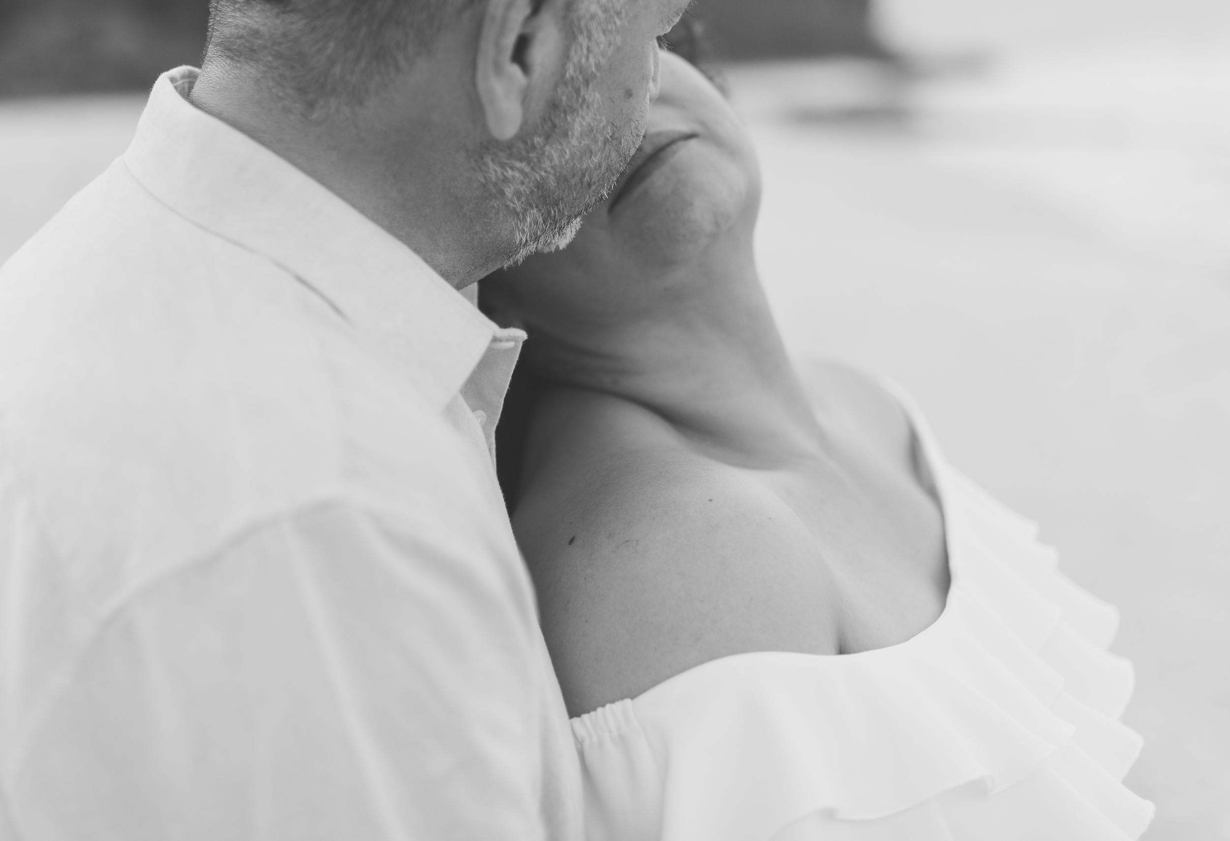 CouplesSessionTaragueGuamPhotographer-ROXANNEAUGUSTA-12.jpg