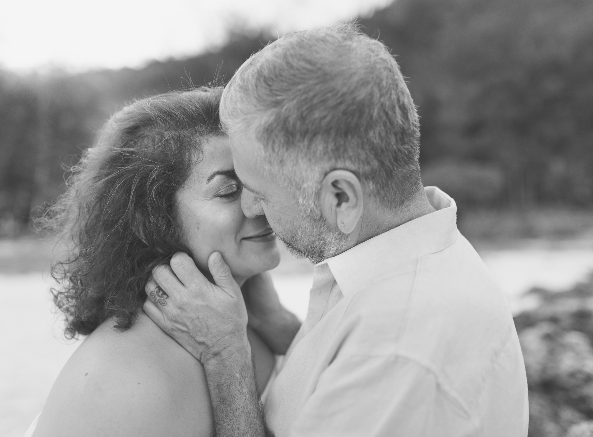 CouplesSessionTaragueGuamPhotographer-ROXANNEAUGUSTA-17.jpg