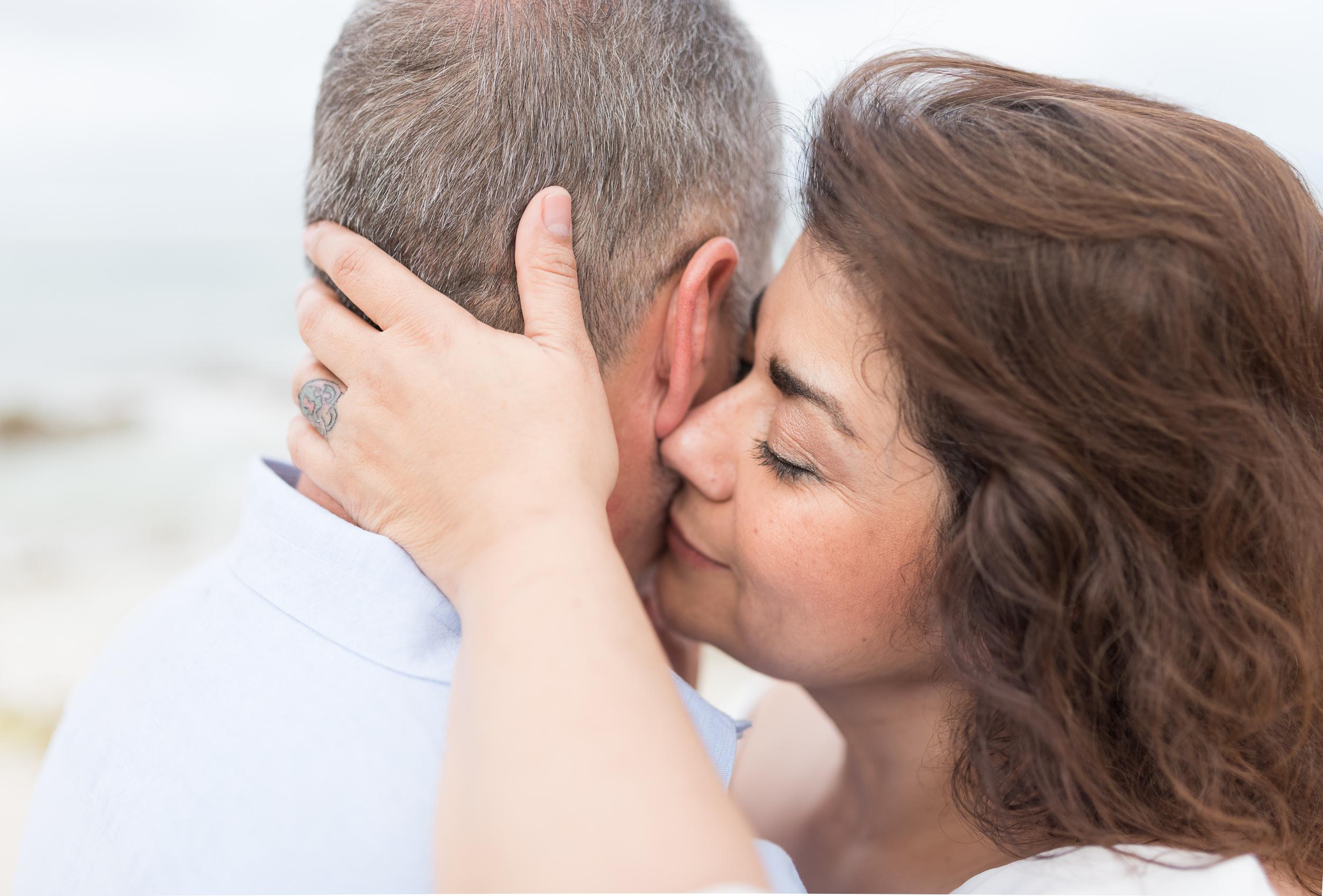 CouplesSessionTaragueGuamPhotographer-ROXANNEAUGUSTA-22.jpg