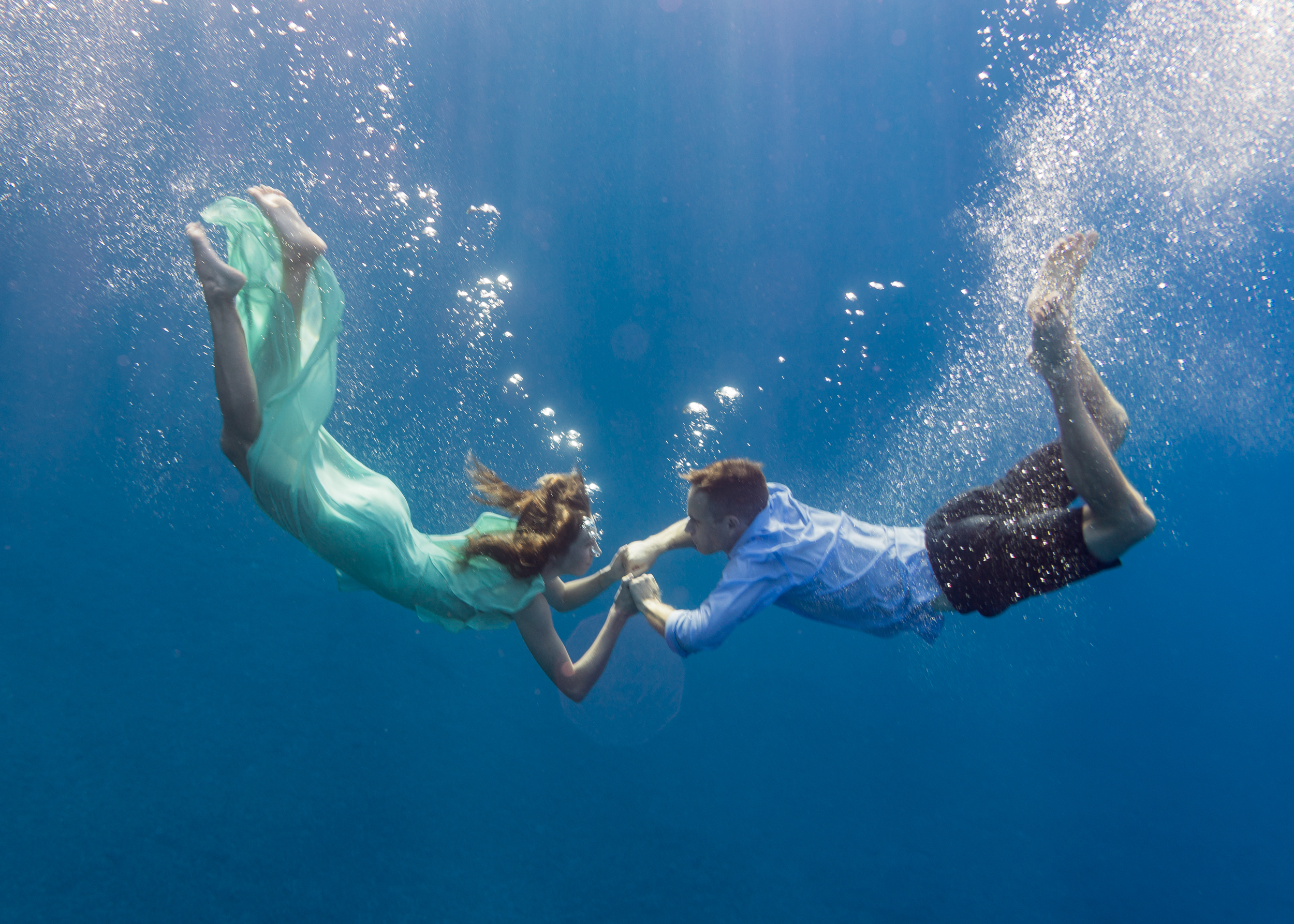 guam-underwater-engagement-photography-sunrise-roxanne-augusta.jpg