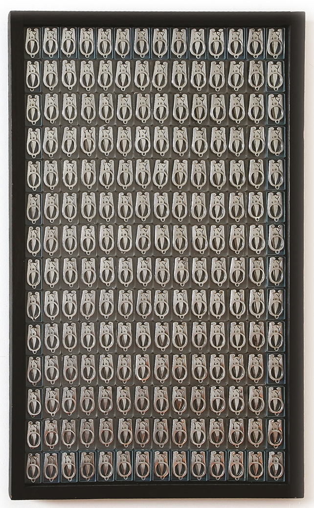 Manucure  — H 78 cm - L 55 cm