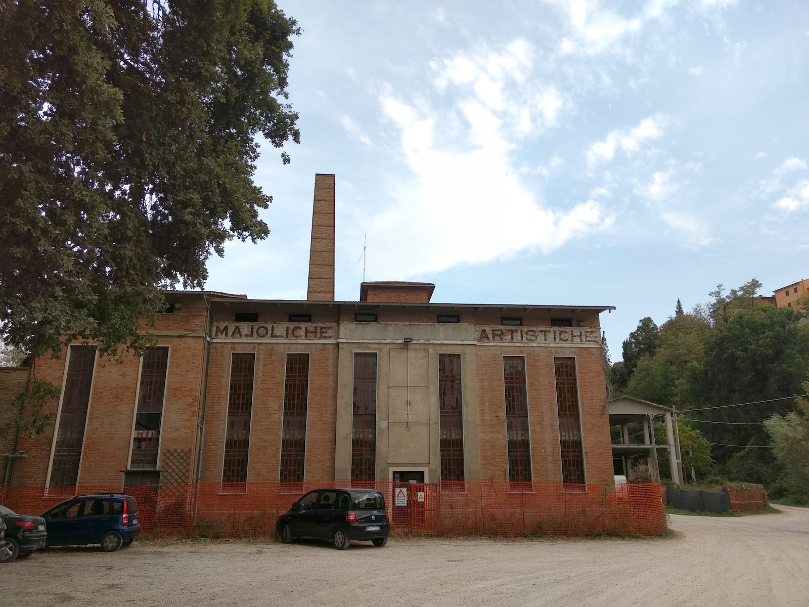 An old ceramic factory and supply store in Deruta where most of her material came from