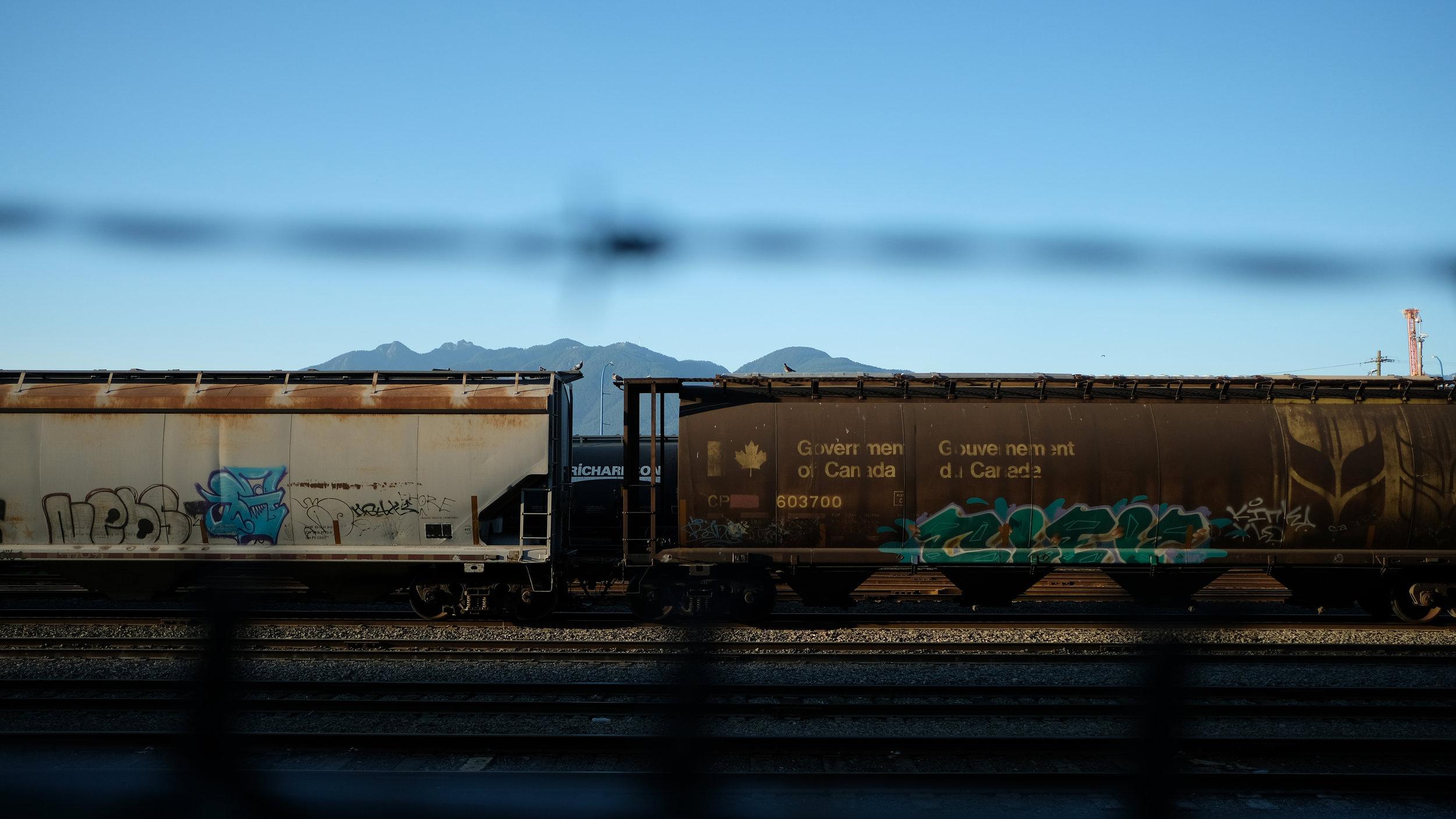 01_VANCOUVER_Trains.jpg