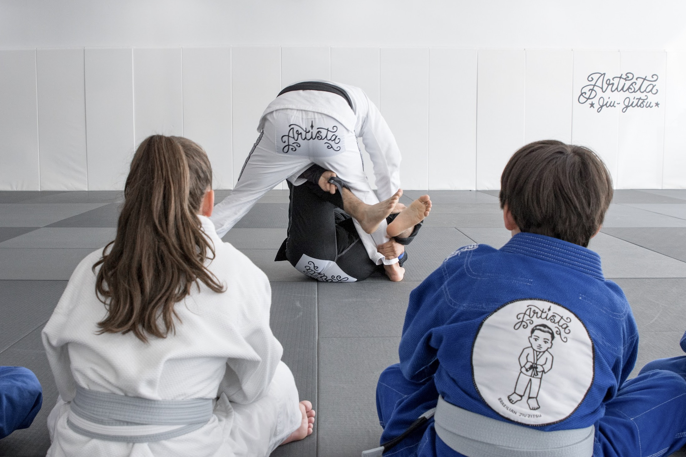- BIG ARTISTS ADVANCEDKids Advanced class is focused more on competition Jiu-Jitsu and will teach your children advanced Jiu-Jitsu as well as competition rules, points and more. Entrance to this class requires instructor approval.