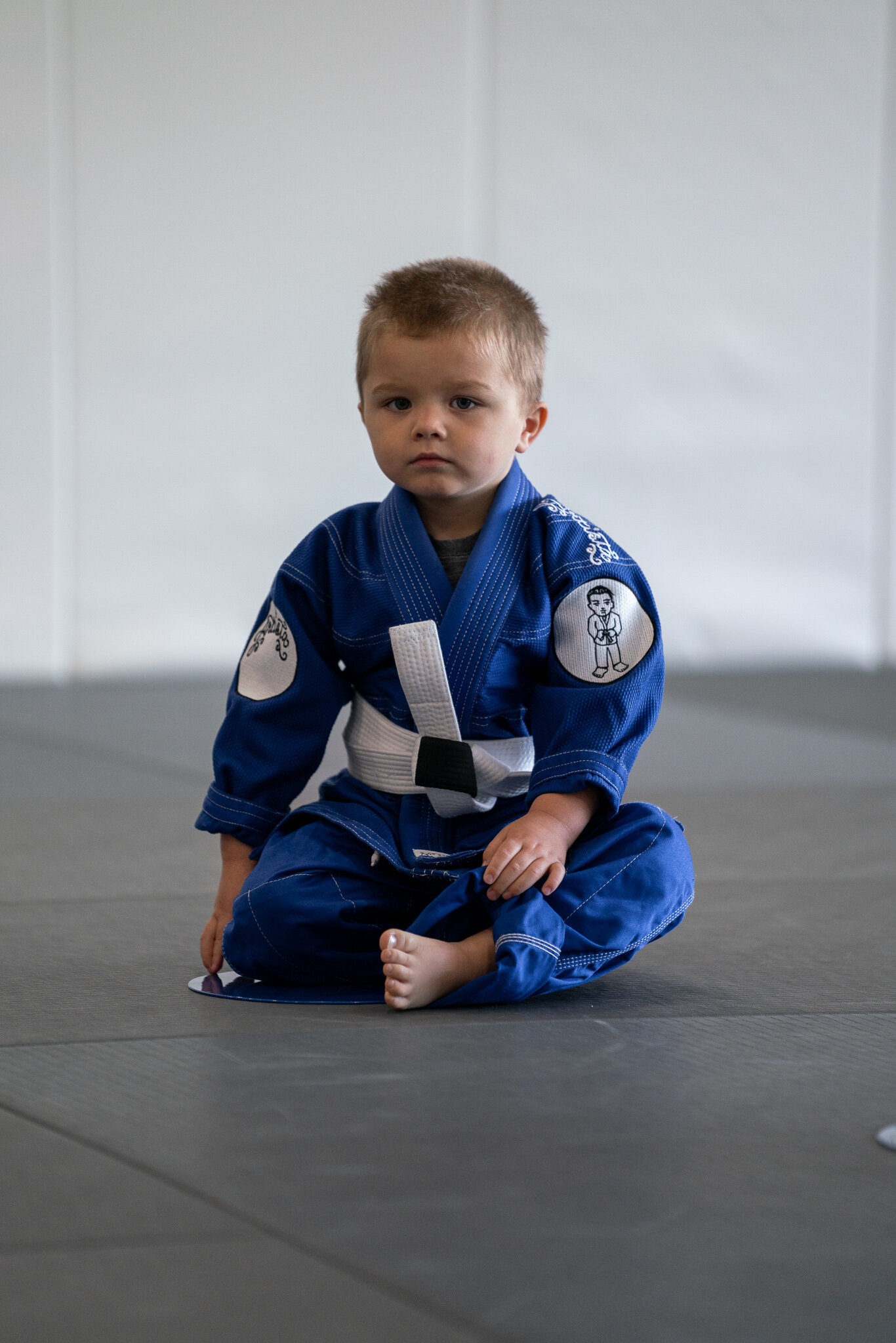 - AGES 3 & 4In our Tiny Artists program we introduce our smallest members to the fun and exciting world of Jiu-Jitsu. We combine Jiu-Jitsu drills with entertaining games that will keep them amused while at the same time learning the foundations of Jiu-Jitsu.