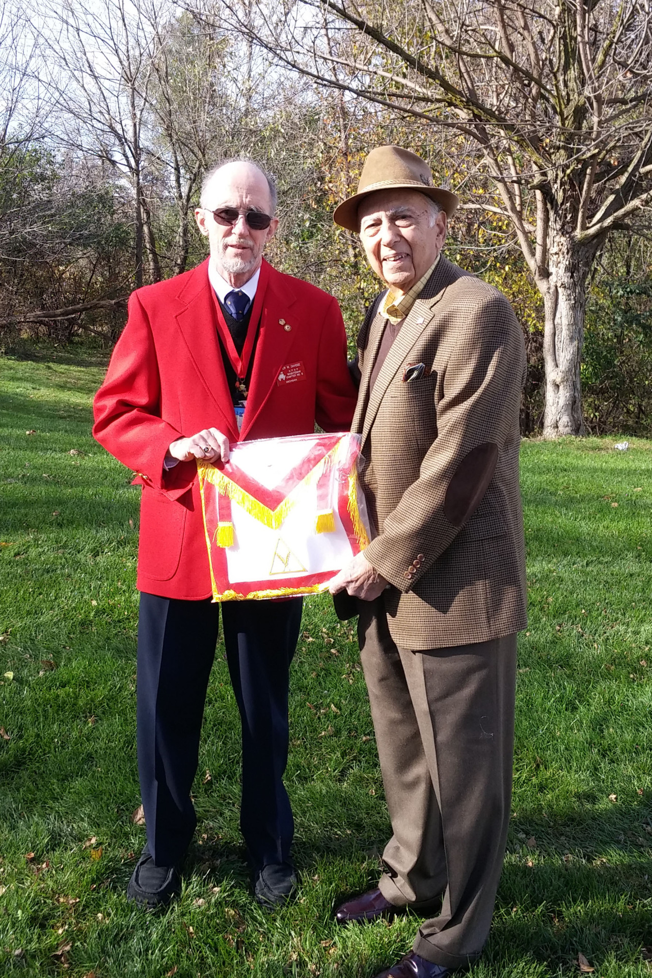 Today, Brother Dan Kachadourian of  Ann Arbor-Fraternity Lodge  presented Washtenaw Chapter with a replacement Secretary's apron in memory of PHP and Chapter Secretary Seymour D. Greenstone. The original apron was damaged beyond repair and Bro. Kachadourian, a long time friend of Excellent Companion Greenstone very graciously offered to replace it.