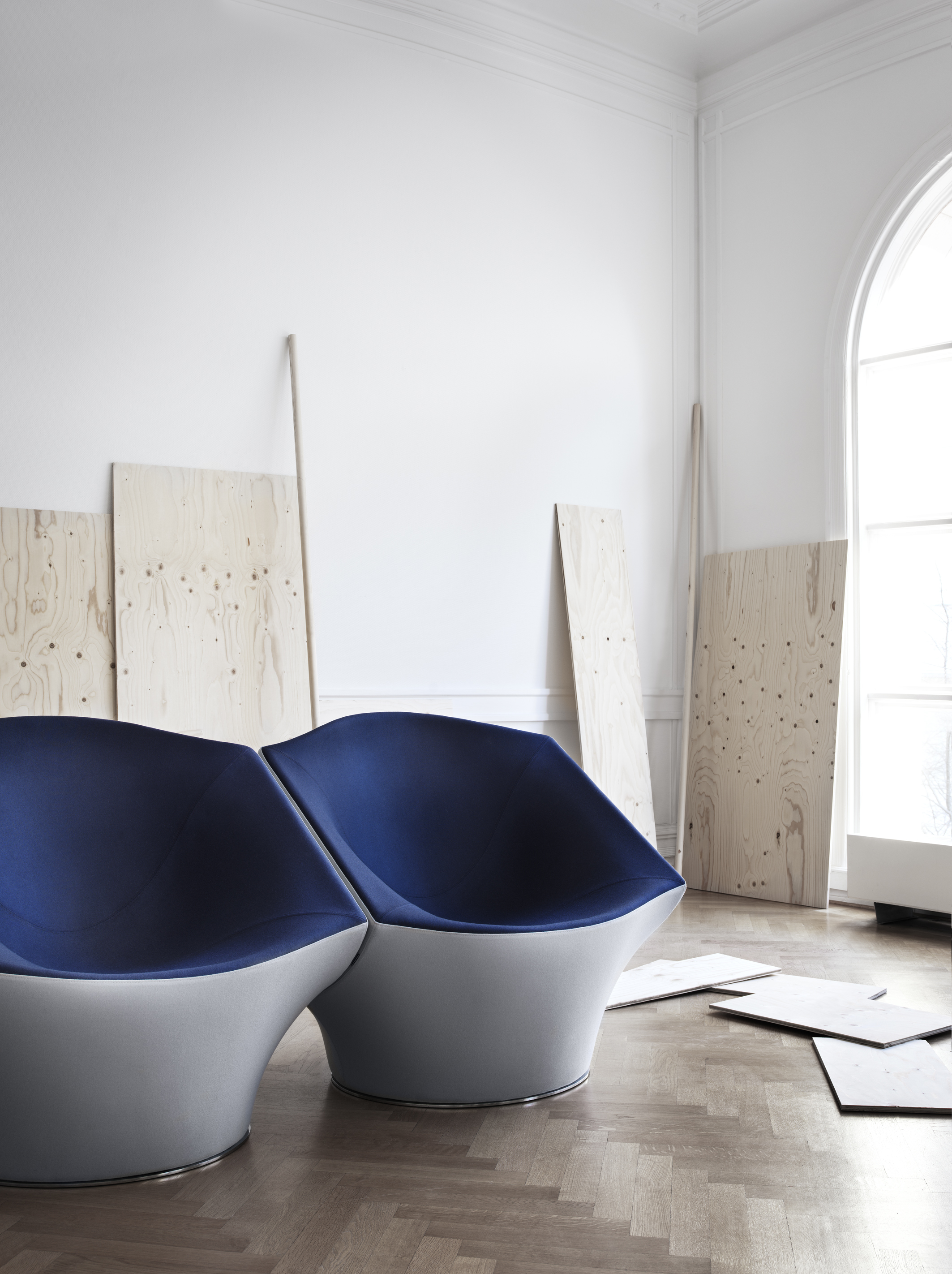 """""""I was thinking of a design that embraces my philosophy of sensual minimalism and repetition. The Phaze armchair was the result!"""" – Karim Rashid (Designer)"""