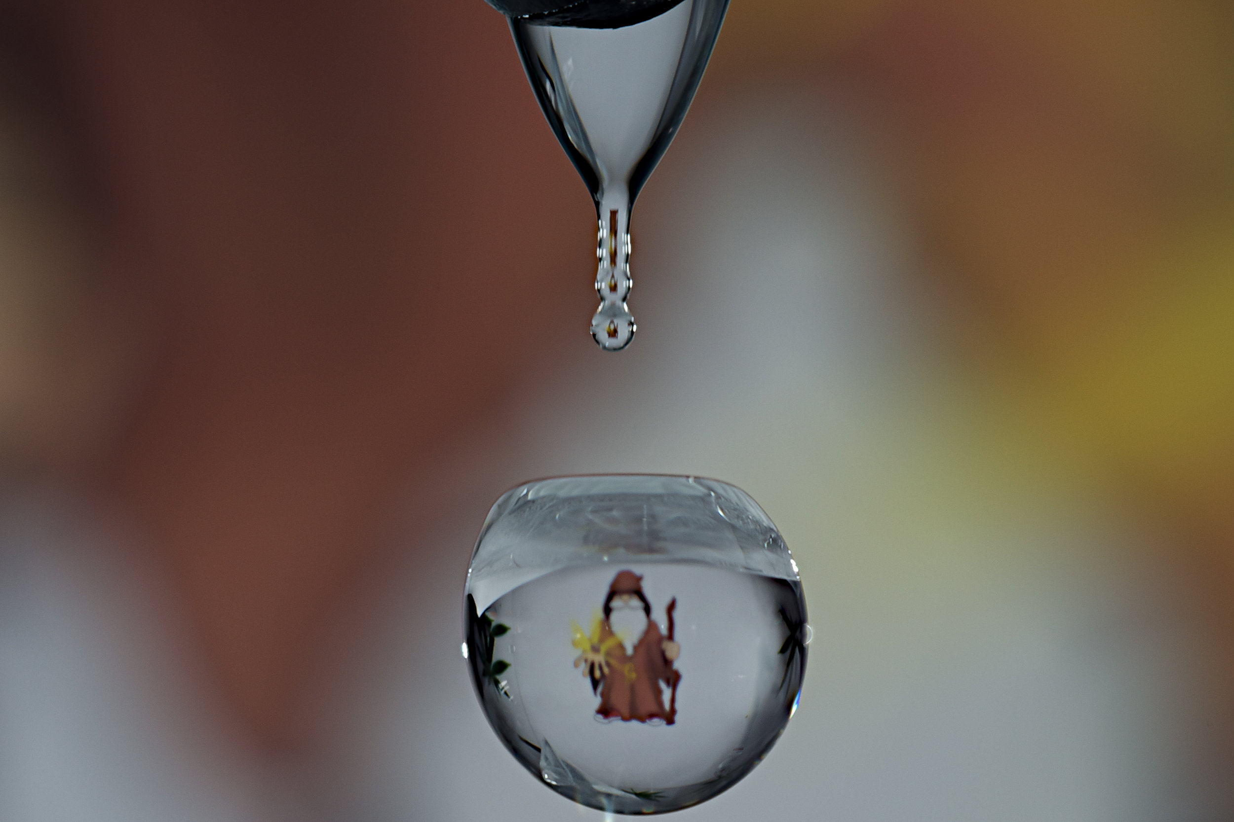 waterdrop reflection