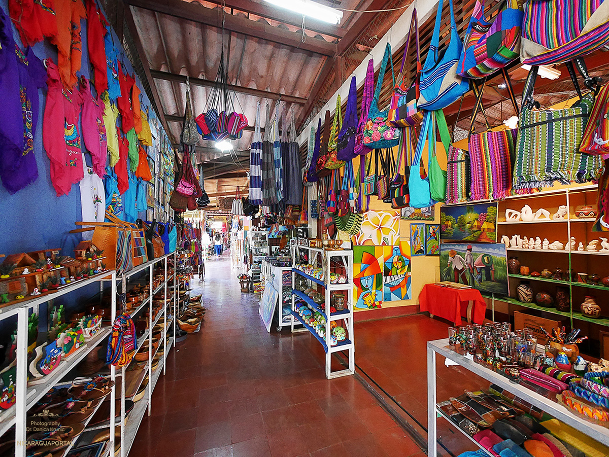 Tour the Colourful Masaya Market