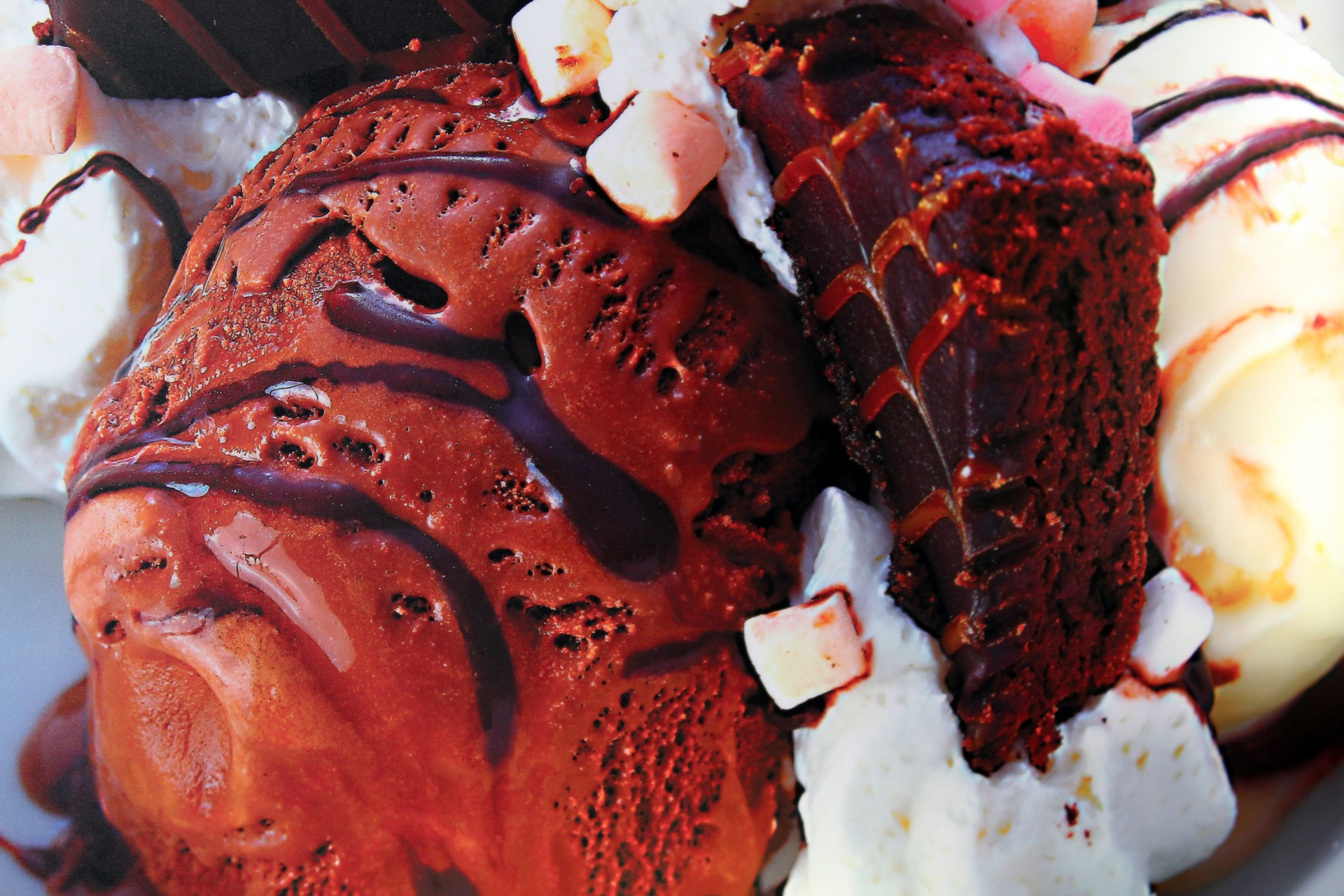 ROCKY ROAD ICE CREAM - Many fans and friends report that Doris' favorite flavor of ice cream was served t othem in a cantaloupe.